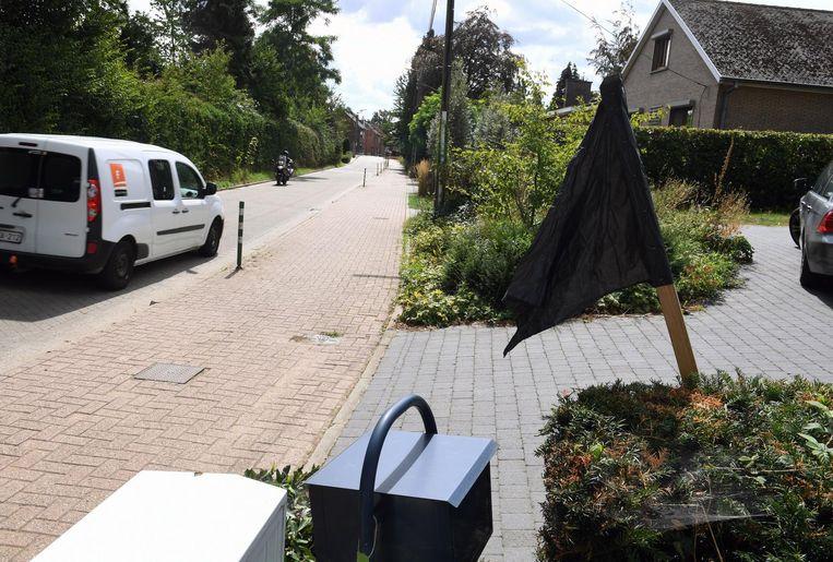 De bewoners van de Panoramalaan hingen in het verleden al zwarte vlaggen uit tegen het vele sluipverkeer.