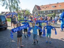 Volle bak voor leeg stadion: hoe PEC Zwolle nu al tribunes vol heeft, 'Noord-Korea zou jaloers zijn'
