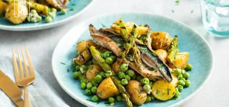Wat Eten We Vandaag: Frisse aardappelsalade met makreel en asperges