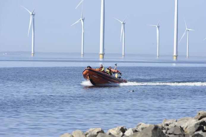 De acht uitgerukte reddingsboten zijn onder meer actief voor de kust van Urk.