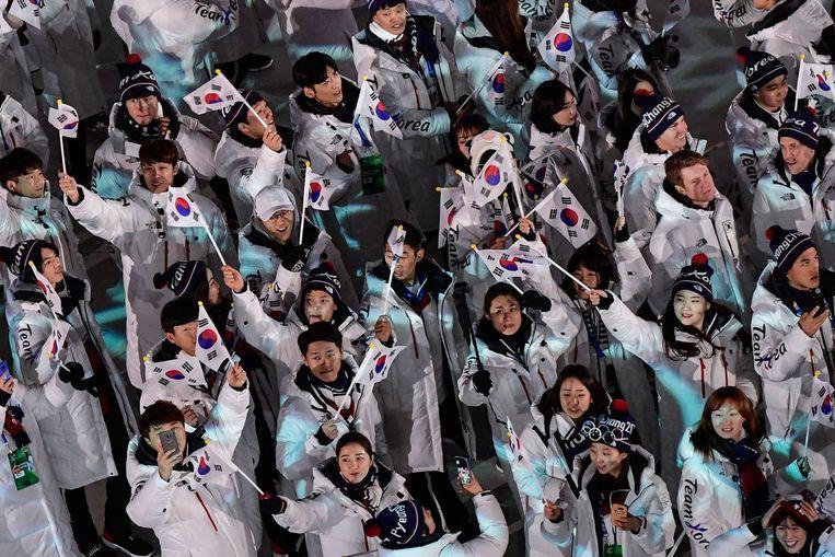 Koreaanse atleten tijdens de sluitingsceremonie. Beeld afp