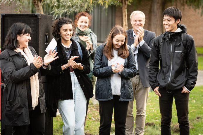 Verschillende AFS-studenten die te gast zijn op Don Bosco Sint-Denijs-Westrem namen het woord.