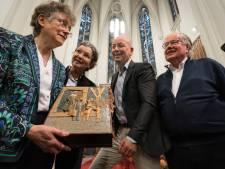 Mysterie vermiste herdenkingsplaquette zusters van de Choorstraat eindelijk opgelost