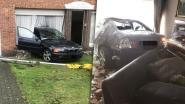 18-jarige knalt met BMW huis binnen en mist 83-jarige bewoonster maar net