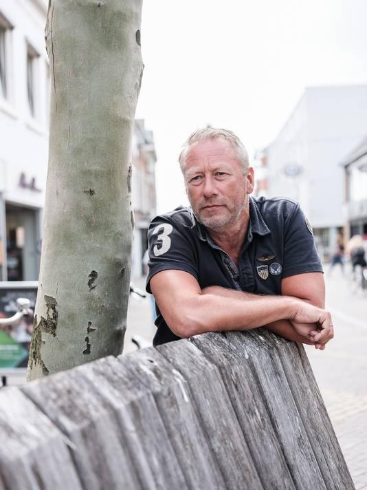 Dick Pardijs in het centrum van Doetinchem. ,,Gelukkige medewerkers zullen meer verkopen.''