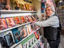 Gemist? Seksshop Deventer viert jubileum en natuurfotograaf stuit op roedel wolven