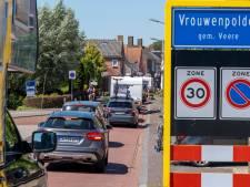 Ook Vrouwenpolder wil geen betaald parkeren in straten van het dorp; 'meeste bezoekers blijven niet lang'
