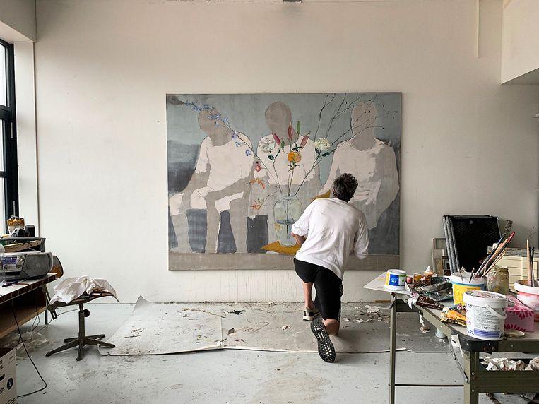 Koen Ebeling Koning in zijn atelier. Beeld -