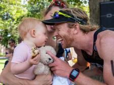Hobbels op pad van triatleet Diederik Scheltinga op weg naar NK-succes; broer Evert en een dikke teen