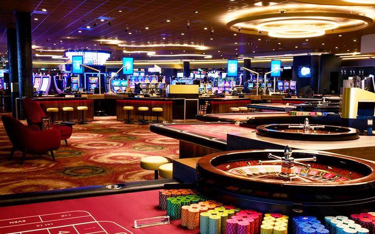 De Waal speelde op een Mega Millions-speelautomaat met een inzet van vijf euro per keer.