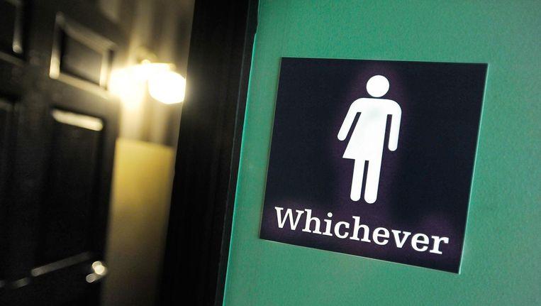 Een gender-neutrale wc in een restaurant in Durham (North Carolina) in de Verenigde Staten. Beeld afp