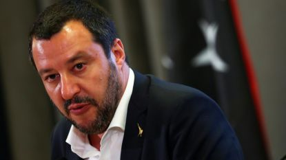 Italiaans schip dat 66 migranten redde in Libië geweigerd in Italiaanse haven