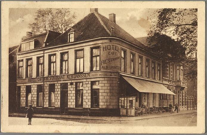 Hotel Albert Janssen Spoorlaan 128, hoek Stationstraat, gesloopt in 1931