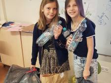 Red de wereld! Lotte en Minke uit Vught beginnen met een bijenhotelletje