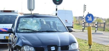 Auto schept scooter in Arnhem-Zuid: scooterrijder gewond
