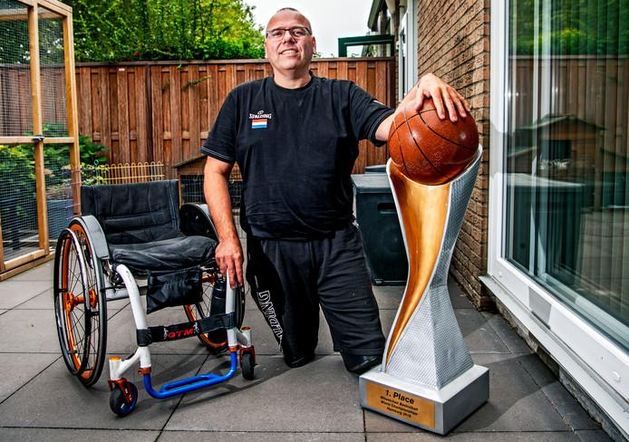 Gertjan van der Linden, bondscoach van de Nederlandse rolstoelbasketbalsters