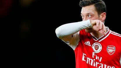 Mesut Özil weigert voorlopig vermindering van salaris bij Arsenal ondanks weekloon van 400.000 euro