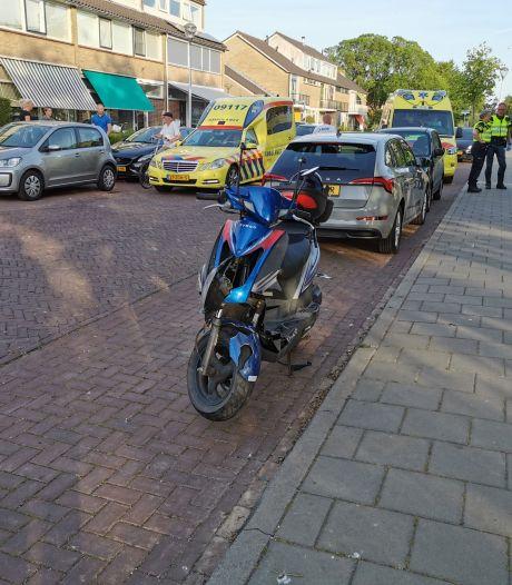 Botsing met geparkeerde auto op de Hazelaarstraat