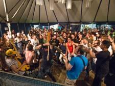 Navarone, Roxeanne Hazes en The Dirty Daddies staan op 40e Klomppop in Ovezande