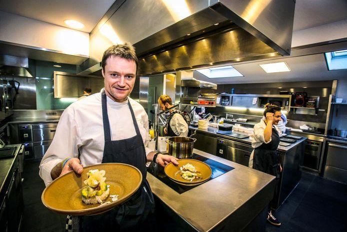 Filip Claeys van restaurant De Jonkman, dat nog steeds de hoogste score van 18/20 haalt.