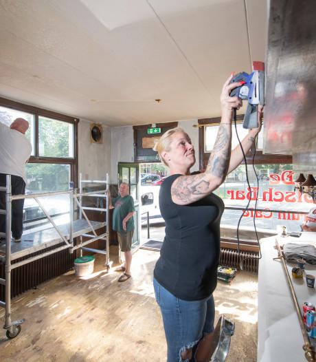 Café De Grolschbar Apeldoorn twee  maanden na brandstichting weer open