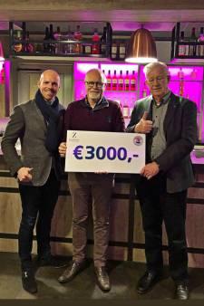 Haringgilde de Zandstuve maakt warm gebaar naar Stichting Manna in Twenterand