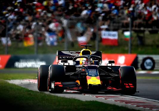 Verstappen in actie in zijn Red Bull.