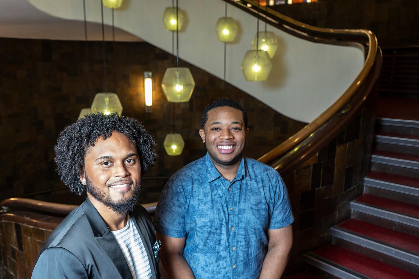 Frensis Bulo en Kenville Kleinmoedig, twee Antilliaanse studenten aan de Hogeschool Rotterdam