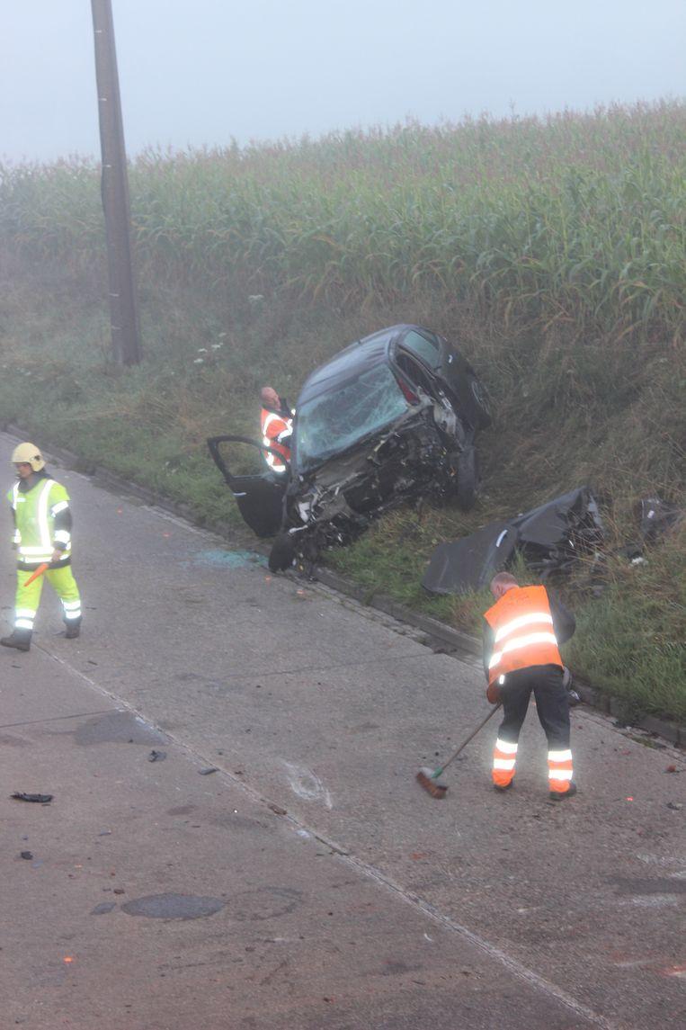 De auto, waar Corwin en drie andere jongeren inzaten, belandde zondagochtend in de berm op de Lenniksesteenweg.