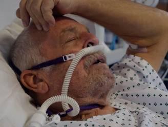 """Britse coronapatiënt Tony (73) sterft kort na emotioneel interview: """"Ik mis mijn vrouw verschrikkelijk"""""""