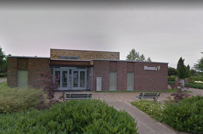 Uitvaartorganisatie Monuta moet verder zoeken naar een overnamekandidaat voor de aula aan de Oude Deventerweg in Holten.