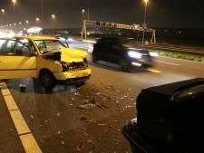 Veel schade bij aanrijding op A2 bij Maarssen