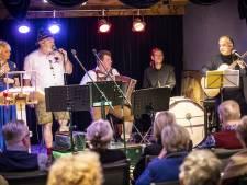 Tiroler muziek maakt stemmen los in Vestzaktheater Albergen