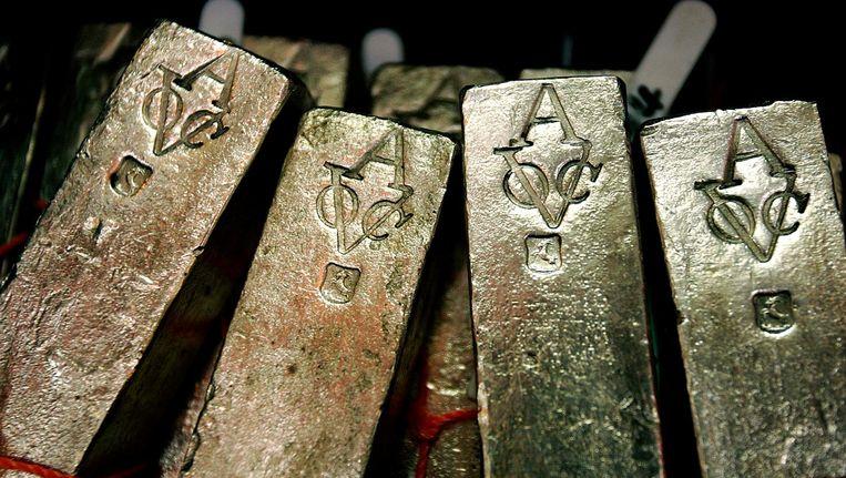 Zilverstaven afkomstig van het VOC-schip De Rooswijk dat in 1740 bij Zuid-Engeland verging. Beeld anp