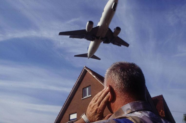 Illustratiebeeld van geluidsoverlast door vliegtuigen boven het Brusselse.