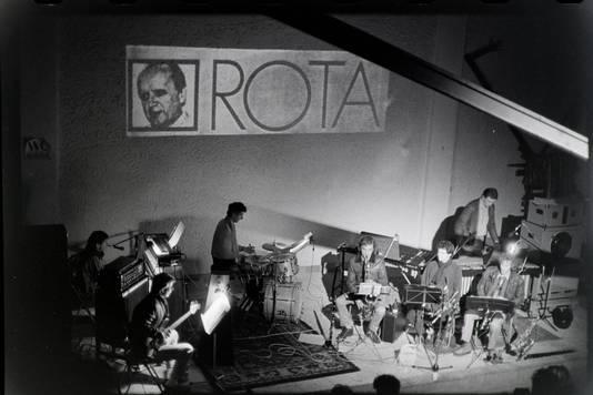 I Compani tijdens het eerste concert in 1985 in de Amersfoortse kerk. Ze speelden een muzikaal portret van componist Rota.