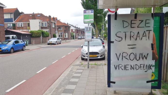 Afgeplakt billboard in Korte Akkeren