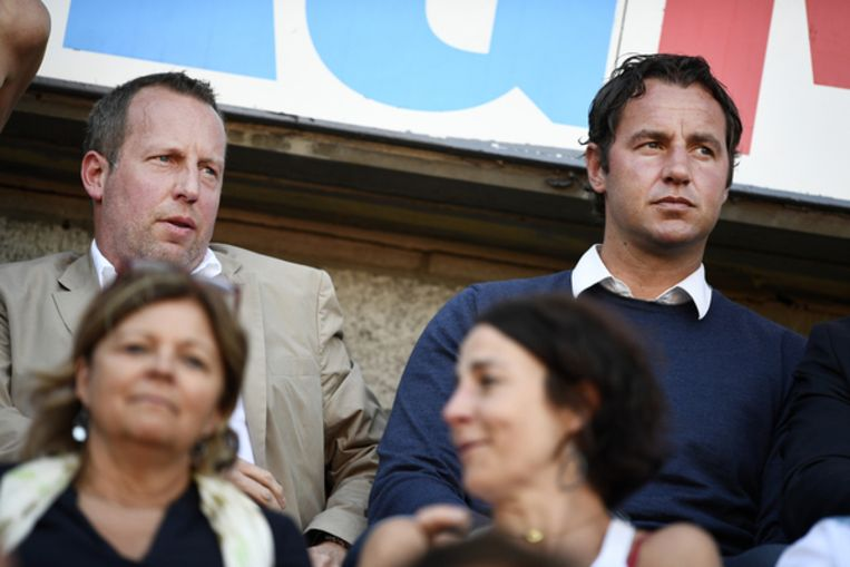 Voorzitter Bruno Venanzi en Olivier Renard in de tribunes op Sclessin.