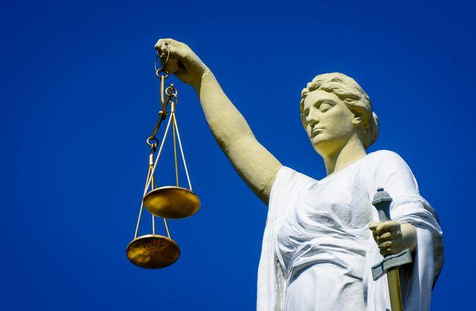 Voor de rechter moet Devin P. zich verantwoorden. Zat hij fout door zich bij Koerdische strijders aansloot?
