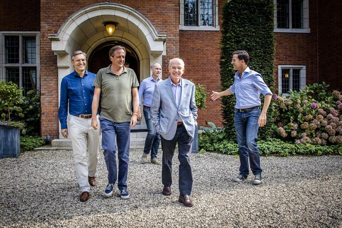 Sybrand Buma, Alexander Pechtold, Gert-Jan Segers, Gerrit Zalm en Mark Rutte (van links naar rechts).