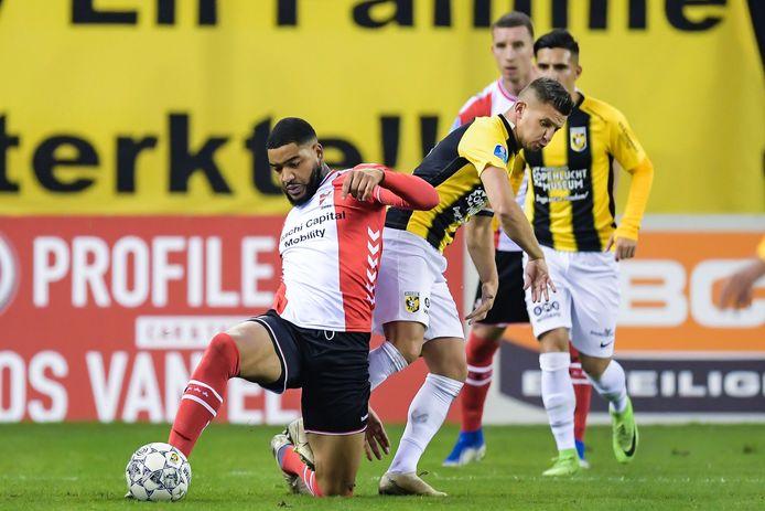 Vitesse Morst In Eigen Huis Punten Tegen Na Rust Opgeleefd Emmen Nederlands Voetbal Ad Nl