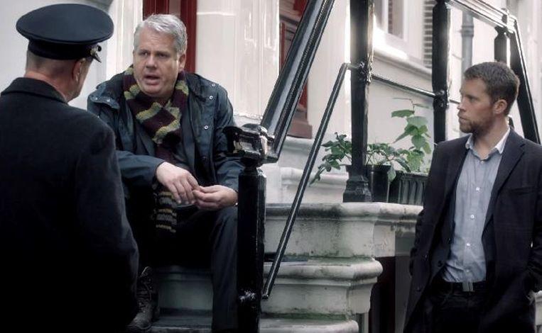 Thomas Acda (midden) en Tim Haars (rechts) vormen een nieuw detectiveduo, in Bureau Raampoort. Beeld SBS