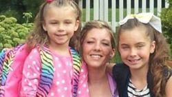 Twee jaar nadat ex haar in brand stak, bezwijkt mama (33) aan haar verwondingen