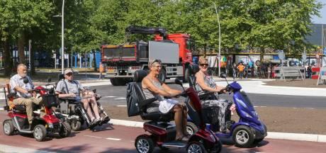 Nieuwe rotonde in Emmeloord geopend, maar niet voor auto's