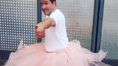 Raf Jansen uit 'Thuis' doet opvallend dansje in roze tutu