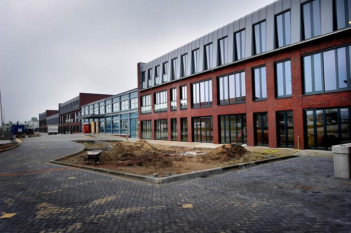 Vanuit Moermont (gebouwd in 2010) gaan 16 mensen met Korsakov naar Bosgaard, het nieuwe tijdelijke verpleeghuis dat tanteLouise op terrein van GGZ WNB bouwt.