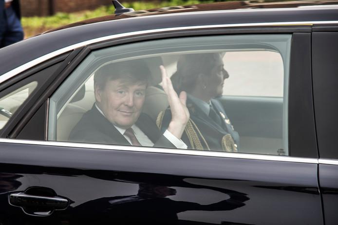 Nog even zwaaien en het bijzondere bezoek van koning Willem Alexander aan CNC Milsbeek zit er weer op.
