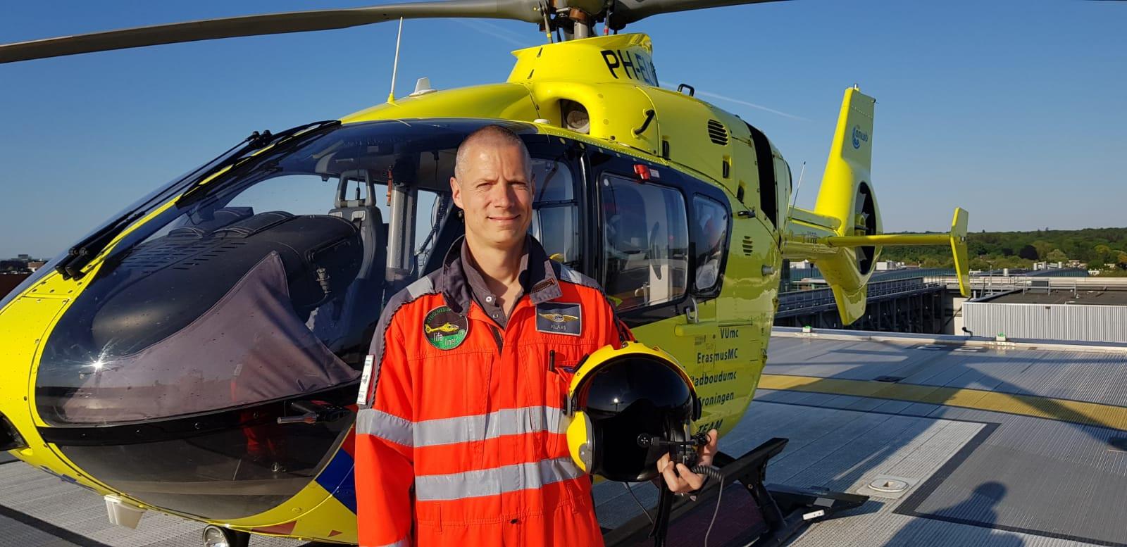 Klaas Trouwborst (40) uit Rijen is een van de meer dan 35 vaste ANWB-piloten op de traumahelikopter.