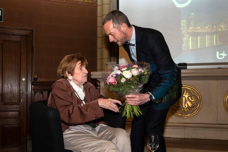 Paula Marckx en professor Frederik Swennen.