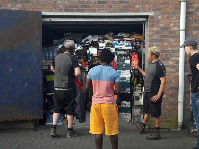 De garagebox in Asten is ontruimd.